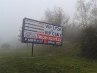 2015-11-09-Chironova-Brno-Kohoutovice-CHÚ-billboard-nelegální-01