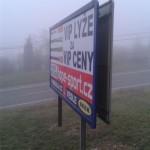 Pirátský billboard v Kohoutovicích – vyrostl přes noc!