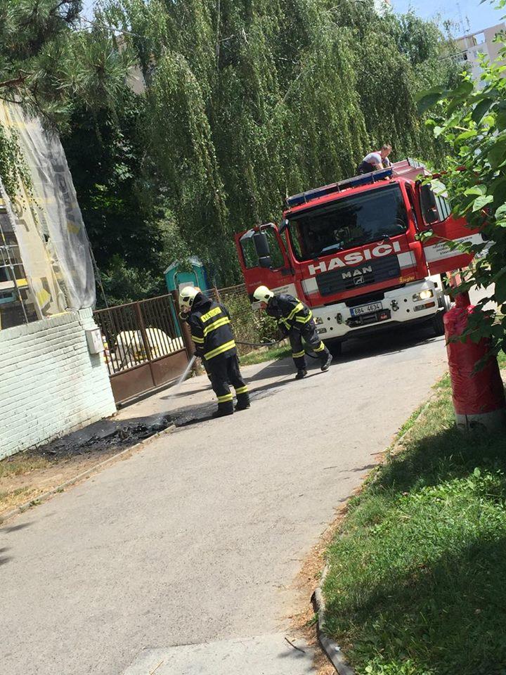 2016-07-08-Jacques-Jackie-García-hasiči-voříškova-01