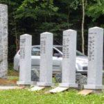 Farinovu zatáčku zdobí nový památník