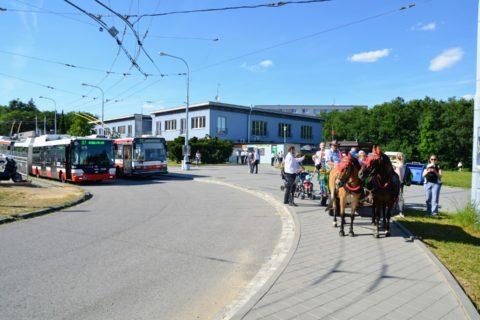 Mladé hody jsou v sobotu – stárci na ně zvali s koněm!