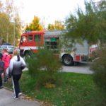 Hasiči zasahují na Richtrové – lidé jsou evakuováni kvůli úniku plynu!