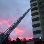 V bytovém domě na Richtrové unikal plyn – zasahovat museli hasiči.